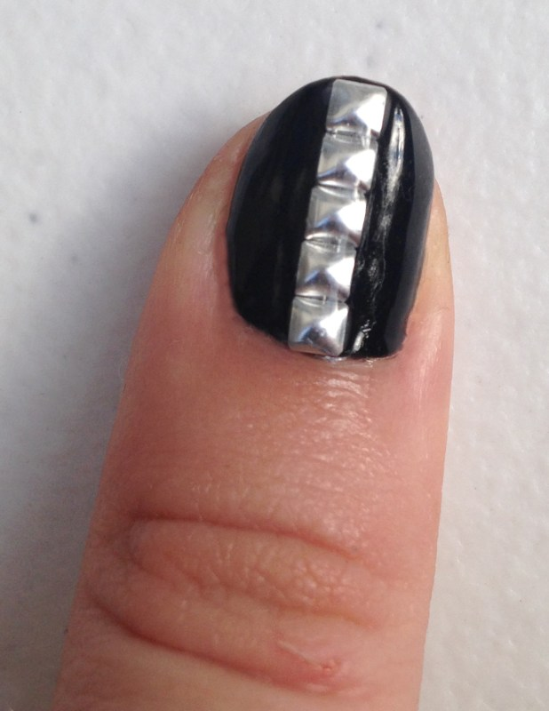 Red, Black and White Geometric Nails Left Thumb