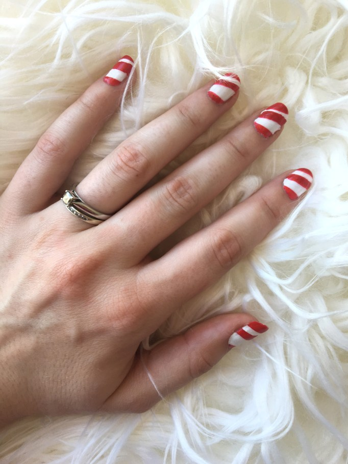 Candy Cane Christmas Nails 8