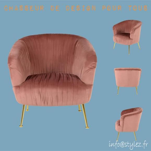 fauteuil en velours plissé rose poudré