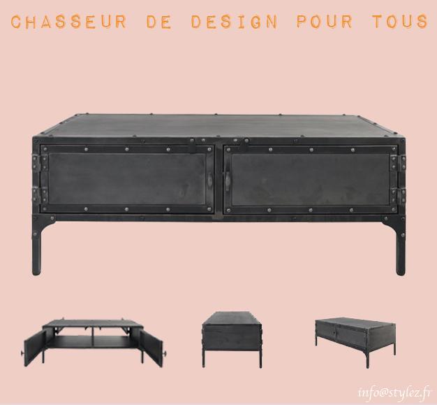 table basse noir industrielle cloutée