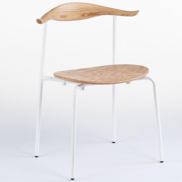 chaise en blanc