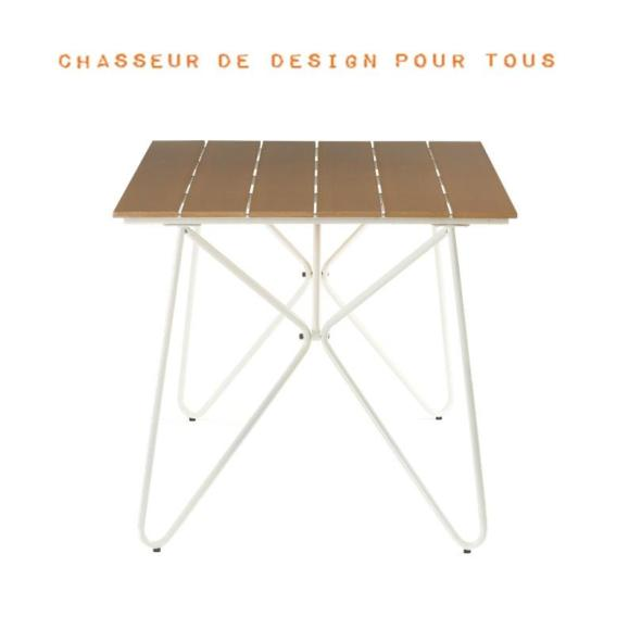 Table simili bois extérieur
