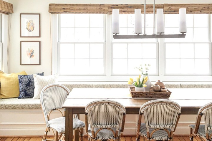 Built-in breakfast nook inspiration and kitchen decor ideas