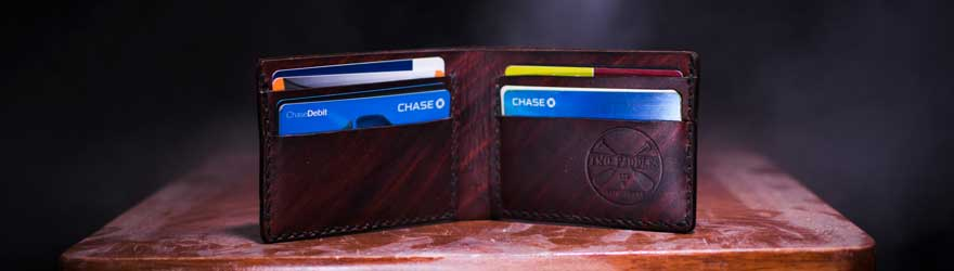 Choosing the best wallet for lots of credit cards