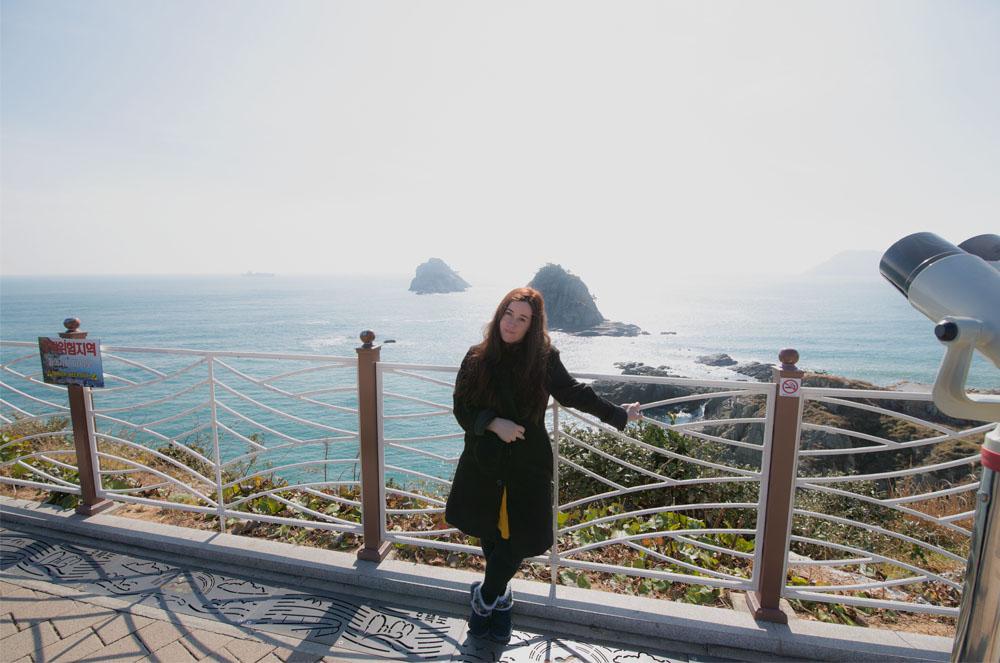 """South korea packing list"", ""What to wear in Korea winter"", ""korea winter wear"", ""tourist in south korea"", ""tourist at oryukdo south korea"""