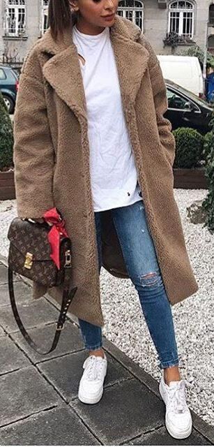 41 casual winter outfits for women that you can totally