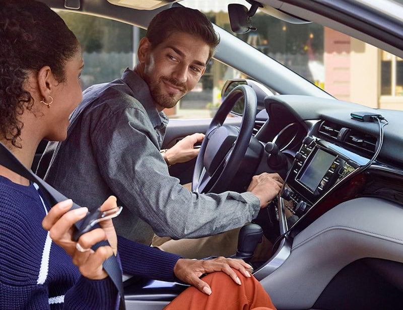 amazon echo auto Alexa assistant vocal voiture