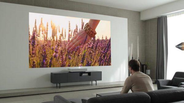 LG CineBeam 4K HU85L vidéoprojecteur laser ultra courte focale comparatif