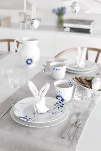 Easter table setting & DIY Eggs | Stylizimo