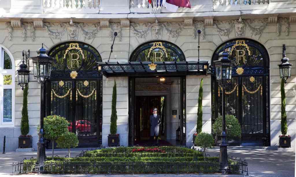 hotelritz-entrance-1