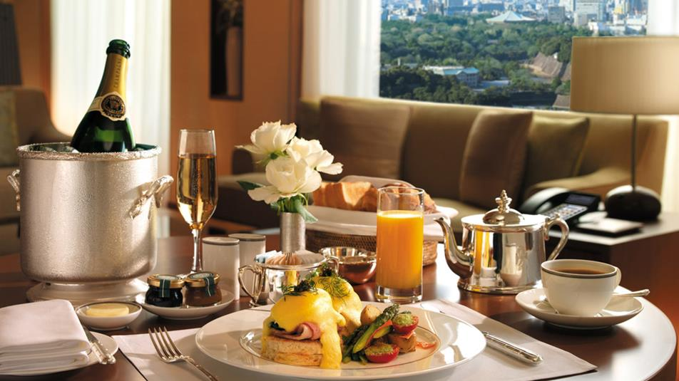 THE PENINSULA TOKYO HOTEL THE LUXURIOUS TRADITION OF THE