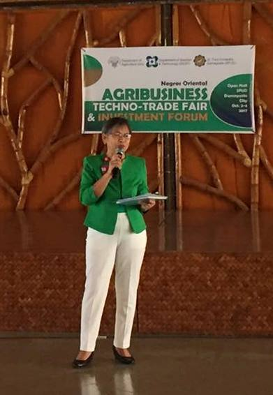 Dean Speaks at Agribusiness Techno-Trade Forum