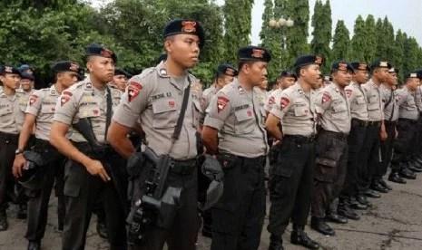 Ribuan Personel Gabungan Sabhara, Tim Gegana, Brimob, Dan Polwan Amankan Persidangan Ahok