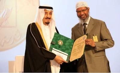 Zakir Naik Peroleh Kewarganegaraan Saudi Arabia, India Minta Paspornya Dicabut