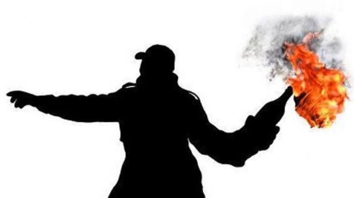 Rumah Ketua DPD PAN Gresik Diteror Bom Molotov