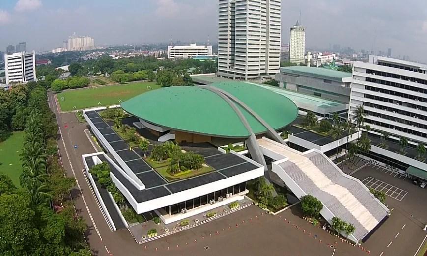 Inilah Filosofi Dibalik Arsitektur Gedung DPR dan Monumen Nasional