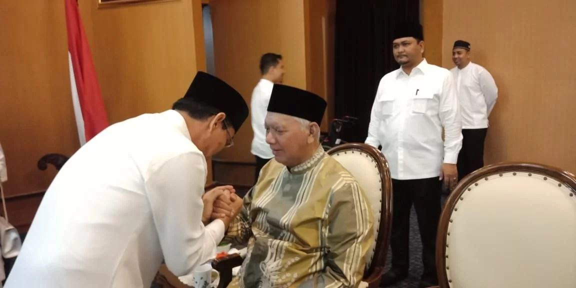 Usai Sholat Ied, Rusmadi Sowan ke Gubernur Kaltim Awang Faroek