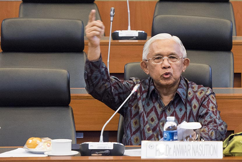 Ekonom Senior Anwar Nasution: Fundamental Ekonomi Indonesia Lemah