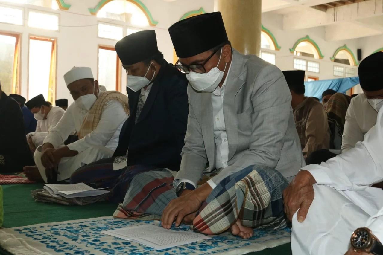 Bupati Boltim Laksanakan Sholat Idul Adha 1442 H di Masjid Al-Hayyatul Islam Desa Modayag II