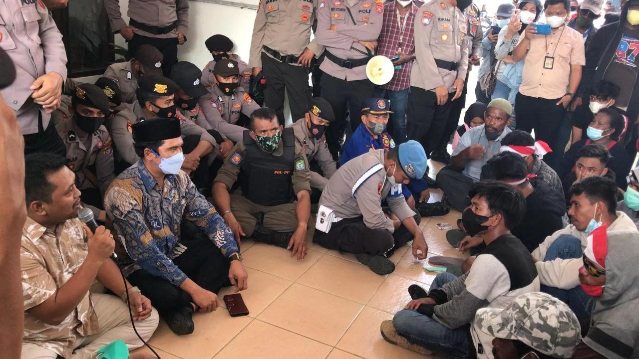 Tolak Reklamasi Pulau Basa, Salma: PKS Bombana Bersama Nelayan