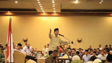 Photo of Bertemu Relawan Solo Raya, Prabowo: Kalian Tampang Sopan, Baik dan Pejuang