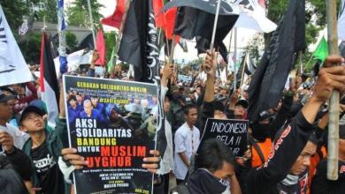Photo of Umat Islam di Bandung Gelar Aksi Bela Muslim Uighur