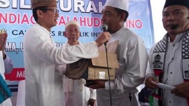Photo of Di Medan, Sandiaga Terima Bantuan Dana Kampanye dari Para Ustaz, Emak-emak dan Milenial