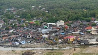 Photo of BNPB: 429 Orang Meninggal Akibat Tsunami Selat Sunda, Terparah di Pandeglang