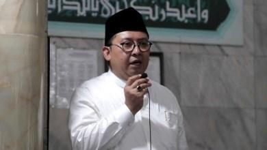 Photo of Fadli Zon: Memang Jamaah Haji Rela Dananya Dipakai Perkuat Rupiah?