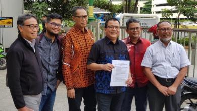 Photo of Sambangi MK untuk Perbaikan Berkas, Tim Kuasa Hukum Prabowo-Sandi Bawa Bukti yang Menghebohkan