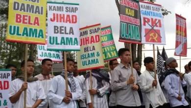 Photo of Komunis dan LGBT Dipelajari, Islam Dikriminalisasi