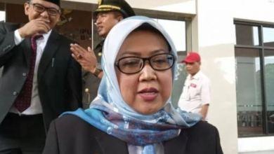 Photo of Soal Pencabutan Spanduk PSU, Warga Sentul City Nilai Ade Yasin 'Linglung'