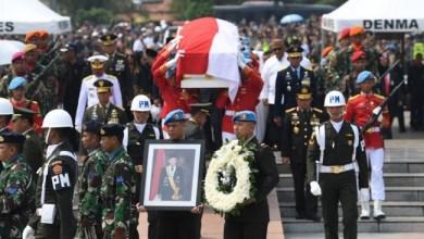 Photo of Jenazah BJ Habibie Dimakamkan di TMP Kalibata
