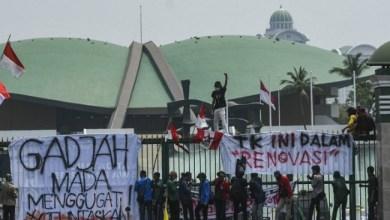 Photo of Siklus Perubahan Politik 20 Tahunan: Adu kuat Jokowi Vs Mahasiswa