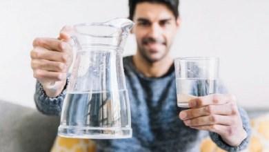 Photo of Minum Air Putih Baik Sepanjang Hari, tak Hanya Saat Bangun Tidur