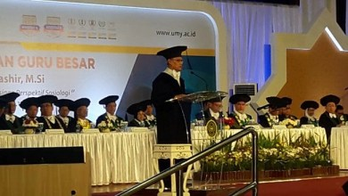 Photo of Haedar Nashir Dikukuhkan sebagai Guru Besar UMY