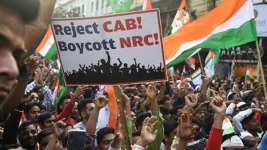Photo of Kubu Pendukung dan Penentang UU Kewarganegaraan India Bentrok