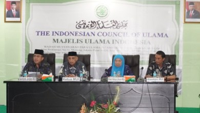 Photo of MUI Prihatin Umat Islam Terlibat dalam Kegiatan Ibadah Natal