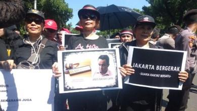 Photo of Nasi Bungkus Datang, Langit Jakarta Terang