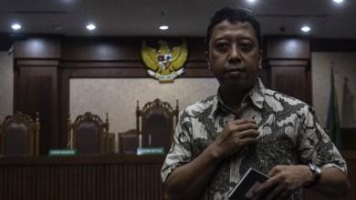Photo of Sekjen PPP Lega, Rommy Divonis atas Kasus Gratifikasi bukan Suap Menyuap