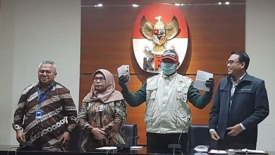 Photo of Anggota KPU Wahyu Setiawan Jadi Tersangka Suap PAW Anggota DPR