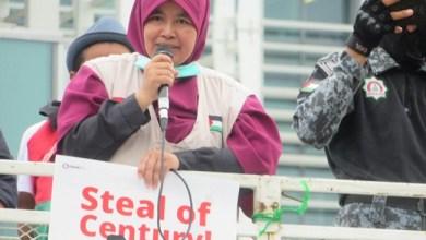 Photo of Datangi Kedubes AS, Ratusan Massa Tolak 'Deal of The Century'