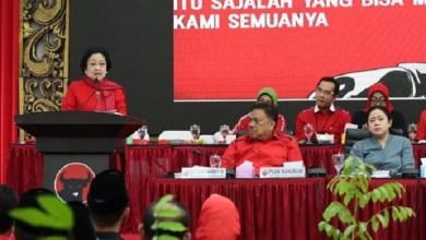 Photo of Mega ke Anies: Formula E Kenapa Nggak di Tempat Lain, Netizen: Masa di Bandung?