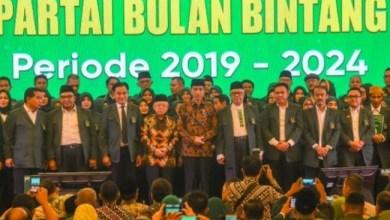Photo of PBB Komitmen Dukung Jokowi-Ma'ruf, Walau Belum Dapat Kursi di Pemerintahan
