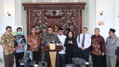 Photo of Gubernur Anies Putuskan Kegiatan Ibadah Berjamaah Ditiadakan Dua Pekan