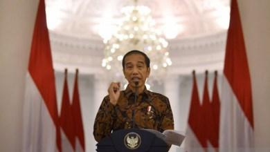 Photo of Jokowi: Saatnya Bekerja, Belajar dan Beribadah di Rumah