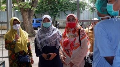 Photo of Datangi RSUP Persahabatan, Anggota Fraksi PKS DPR Sumbang Masker N95