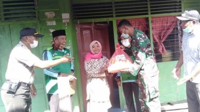 Photo of Bersama TNI dan POLRI, WITC Bintuni Salurkan Paket Sembako