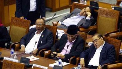 Photo of Ramai-Ramai Membunuh Politisi