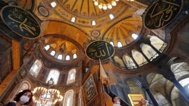 Photo of Hagia Sophia Jadi Masjid, Paus Fransiskus Merasa Terluka, Apa Urusannya?